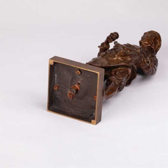 "Miniature bronze sculpture of ""Sommelier"" - photo 6"