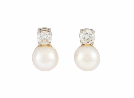 PAIR OF STUD EARRINGS WITH PEARL AND DIAMONDS - photo 1