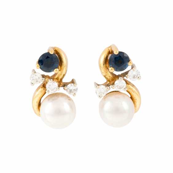 PAIR OF PEARL STUD EARRINGS WITH PRECIOUS STONES - photo 1