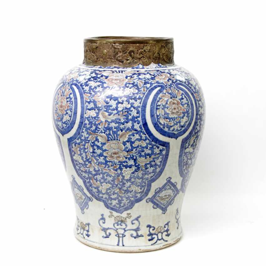 Large and magnificent floor vase. CHINA - photo 2