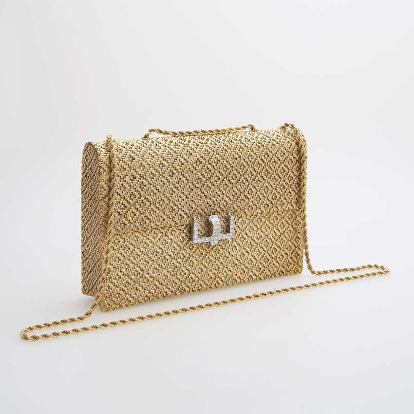 Evening bag made of finely textured Gold with diamond-set Clasp - photo 2