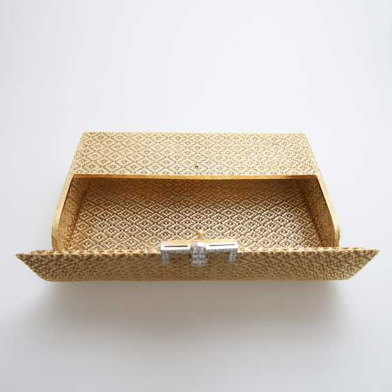 Evening bag made of finely textured Gold with diamond-set Clasp - photo 7