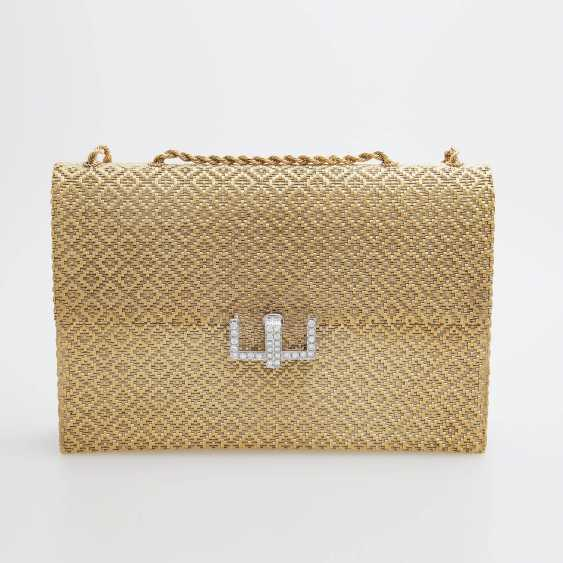 Evening bag made of finely textured Gold with diamond-set Clasp - photo 5