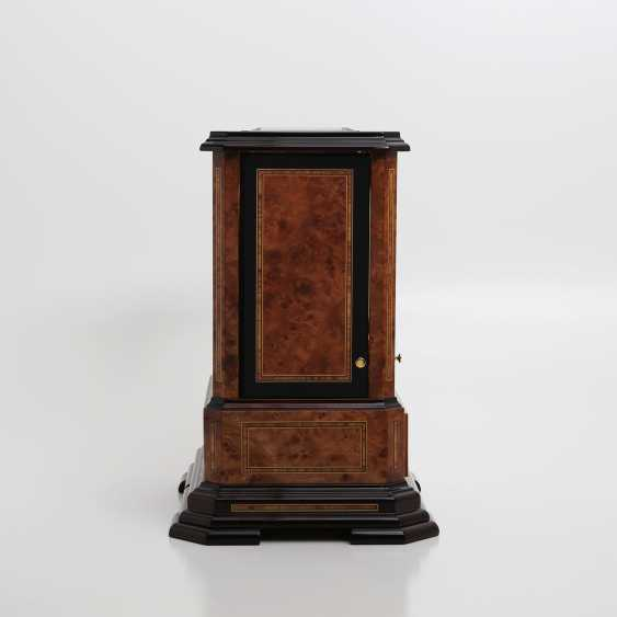 """JAEGER LE COULTRE table clock """"Atmos du Millenaire Marqueterie 'Crepuscule'"""", with 1000 year calendar and moon phase. - photo 7"""