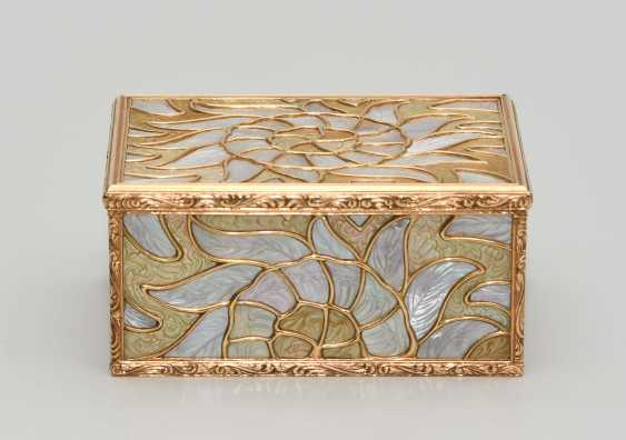 Gold box with mother-of-pearl - photo 3