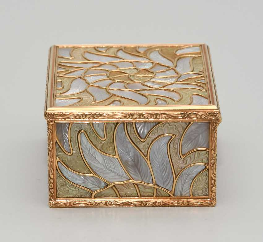 Gold box with mother-of-pearl - photo 4