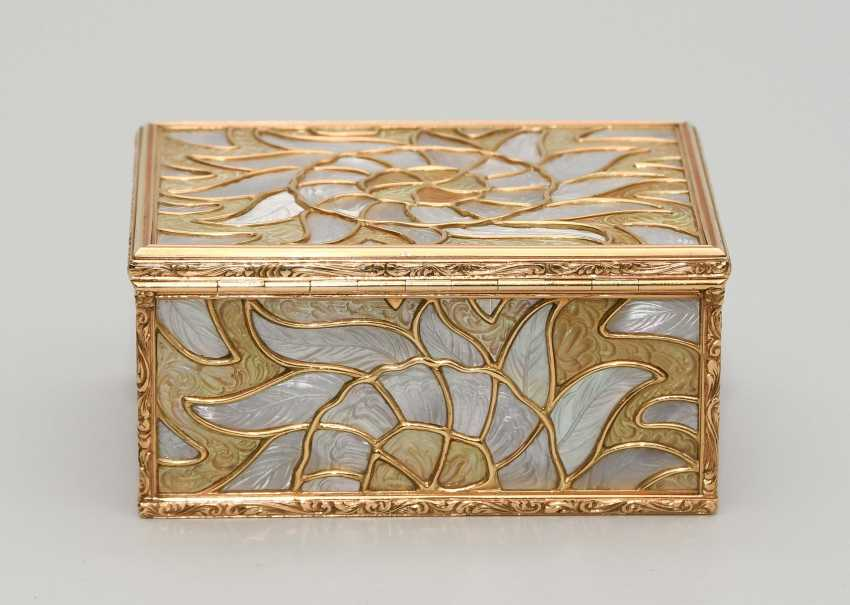Gold box with mother-of-pearl - photo 5