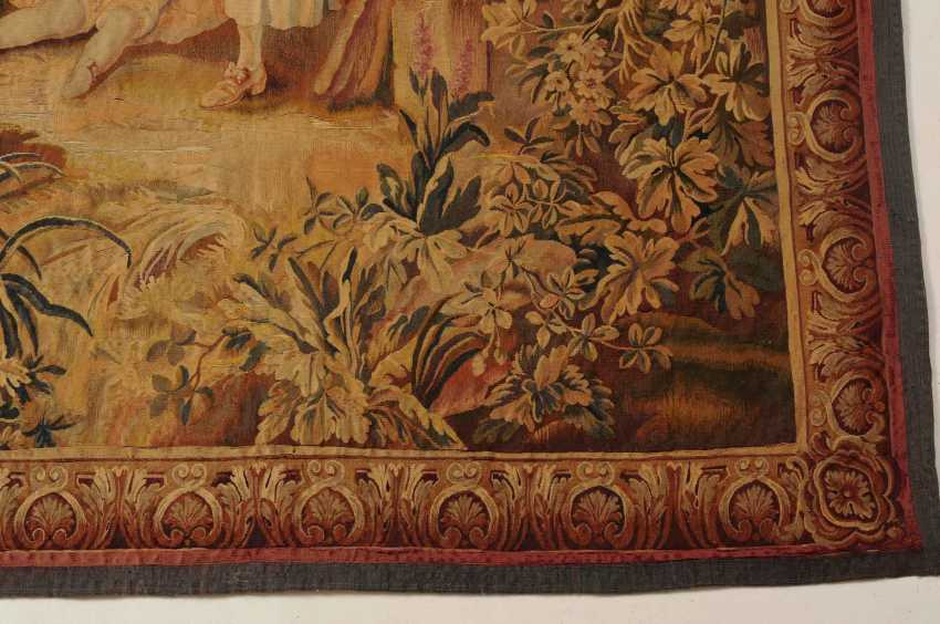 Tapestry - photo 11