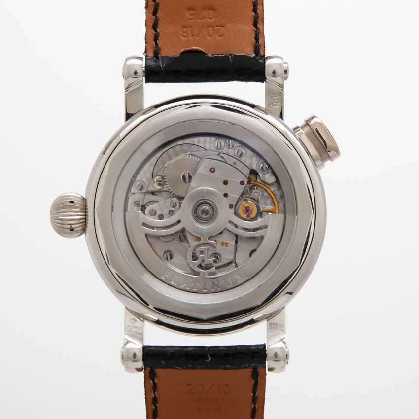 "CHRONOSWISS men's watch ""Repetition à Quarts"". Housing made of platinum. - photo 4"