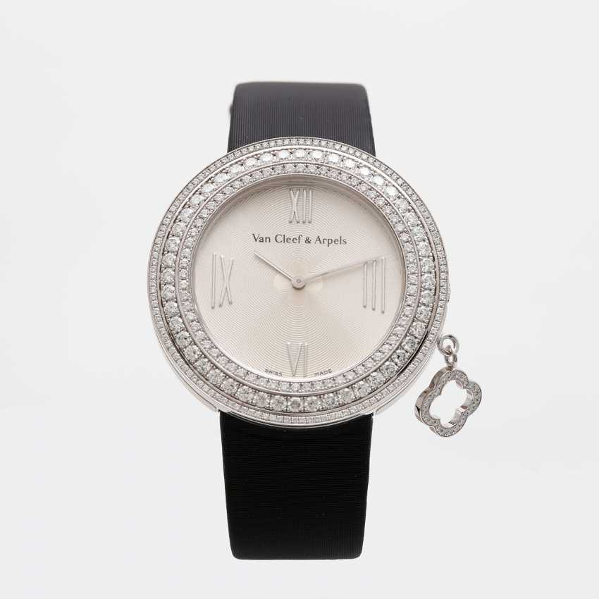 VAN CLEEF & ARPELS ladies watch with moveable pendant in 18K white gold - photo 1