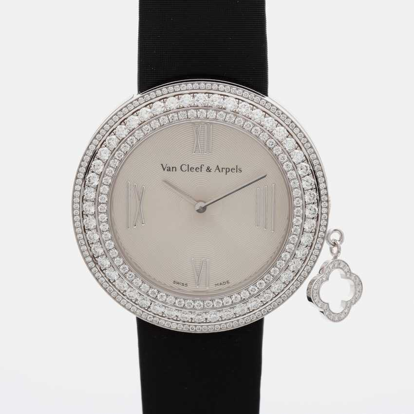 VAN CLEEF & ARPELS ladies watch with moveable pendant in 18K white gold - photo 2