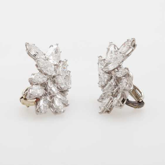 Exceptional Clip-On Earrings, Navette-Cut Diamonds, - photo 2