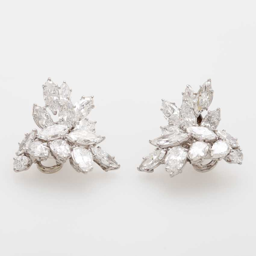 Exceptional Clip-On Earrings, Navette-Cut Diamonds, - photo 3