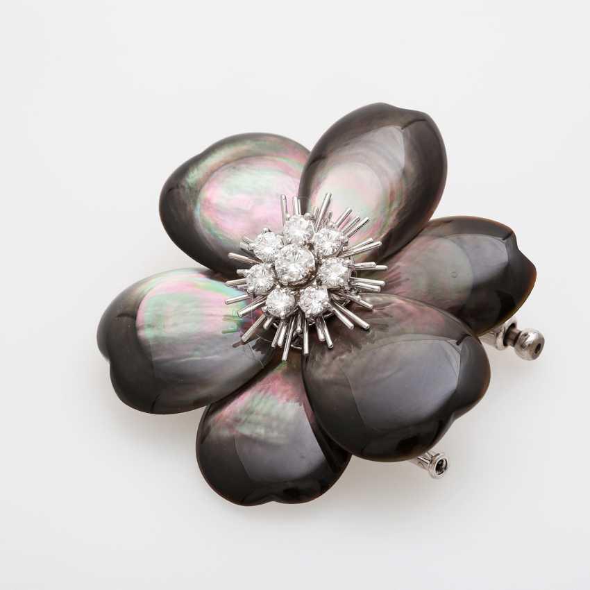 "VAN CLEEF & ARPELS brooch / removable buckle ""Rose de Noël"" - photo 3"