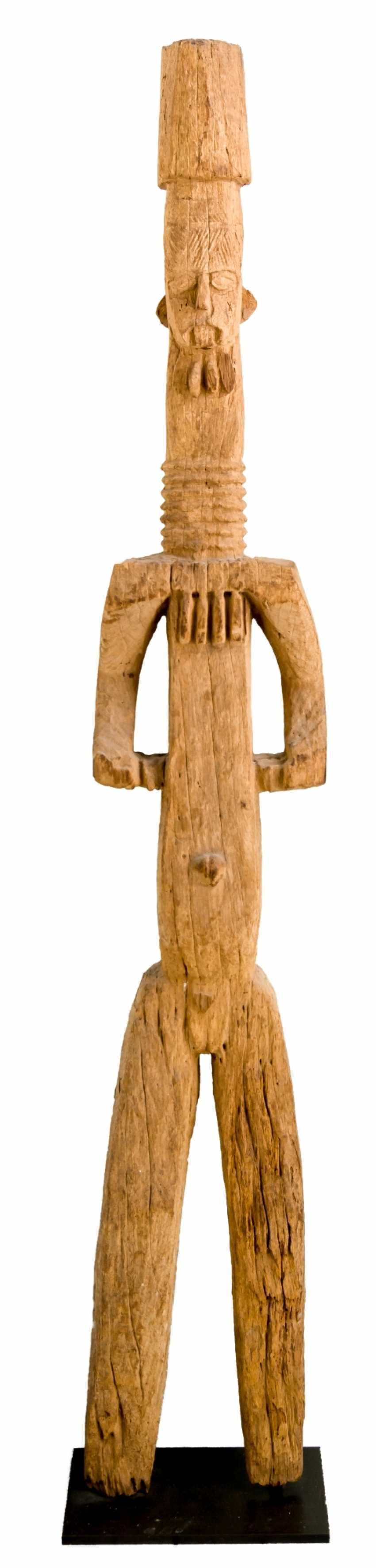 Monumental protection figure of the Ibo - photo 1