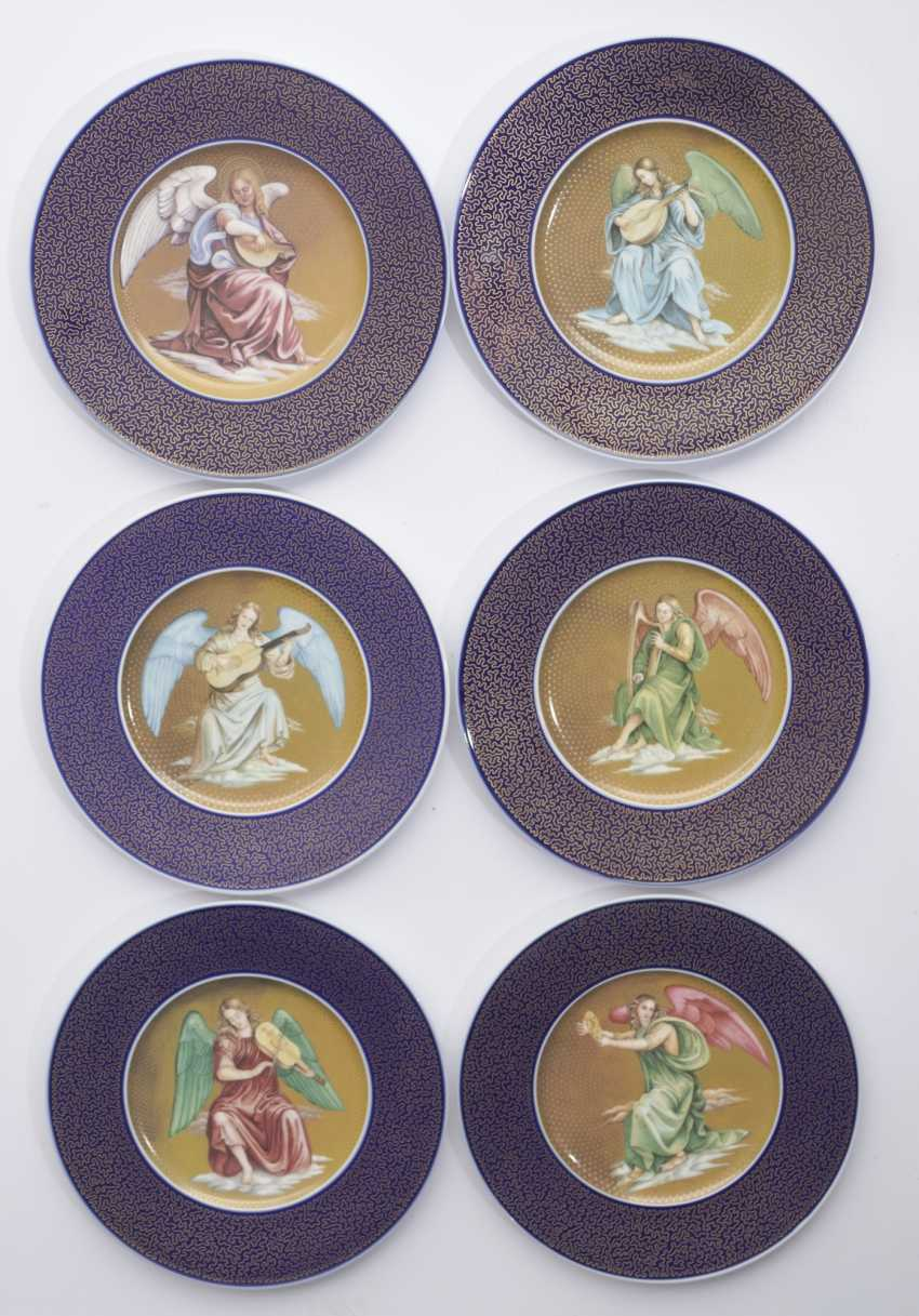 """Six-year plates with motifs from the painting of """"The chosen ones"""" by Luca Signorelli - photo 1"""