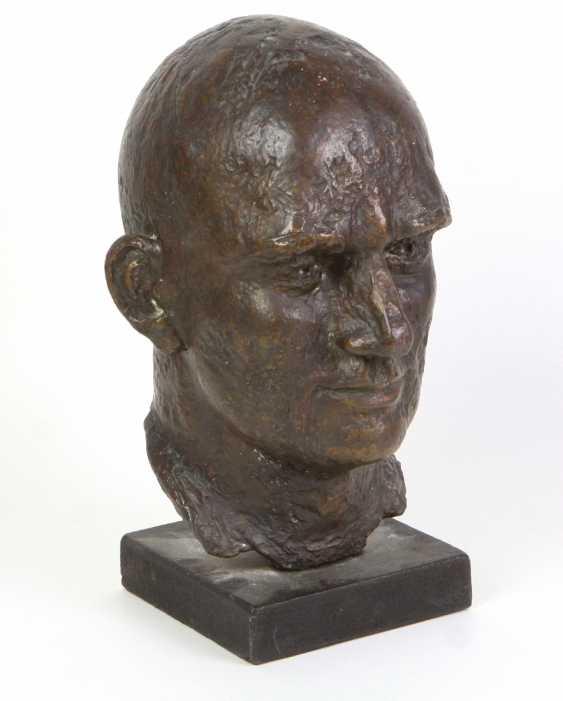 Bronze Bust Of Ernst Thälmann - photo 1