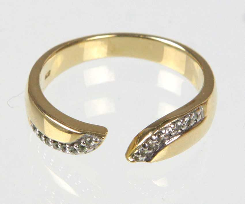 Ring with white sapphires - yellow gold 375 - photo 1