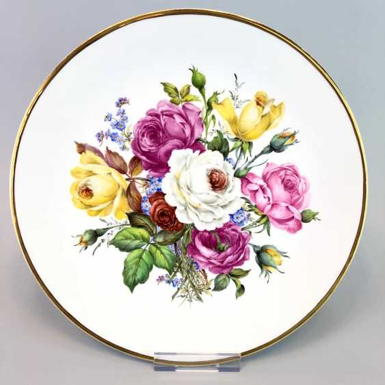 Institutional / Wall Is Adorned With Plates: Meissen Porcelain. Decor Old Flowers Painting. Gold, very good. - photo 1