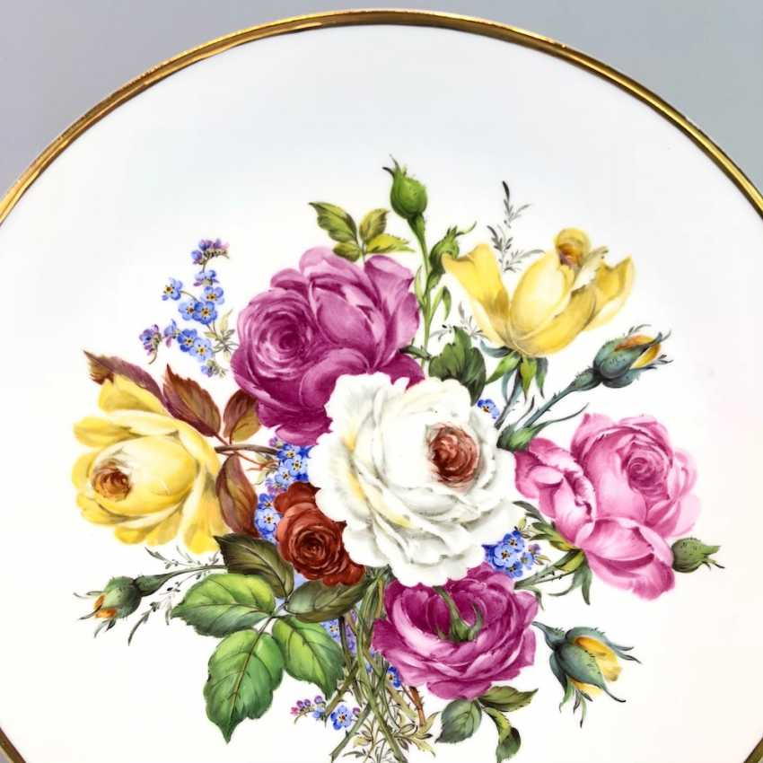 Institutional / Wall Is Adorned With Plates: Meissen Porcelain. Decor Old Flowers Painting. Gold, very good. - photo 2