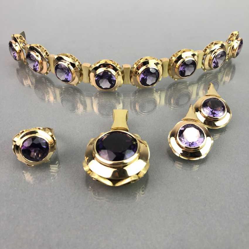 Außergewöhnliches Schmuckset: Armband, Anhänger, Ring und Ohrhänger. Gelbgold 585, Alexandrit. 150 Karat! - Foto 2