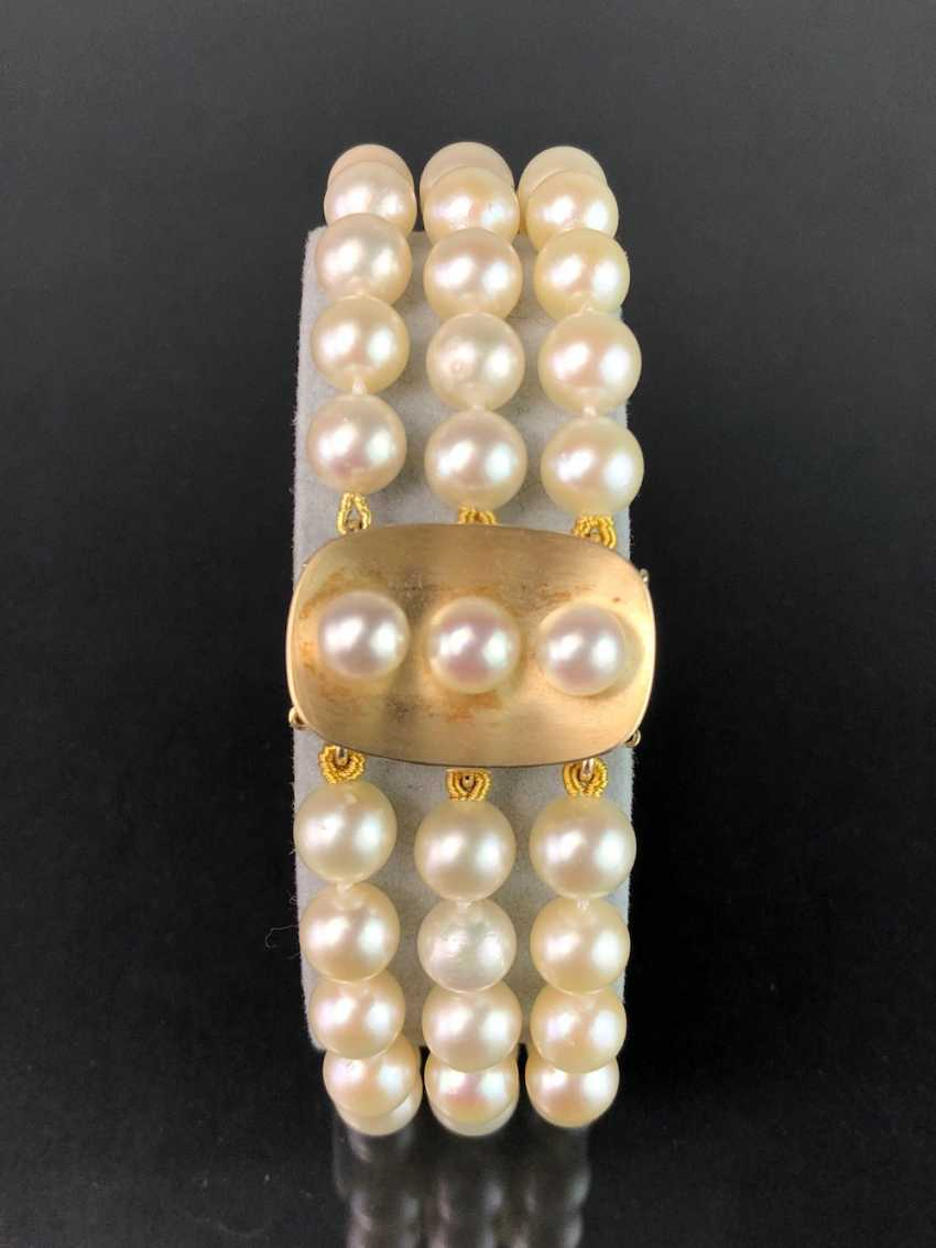 High quality bracelet: yellow gold 585, and three rows of Akoya pearls. Very good. - photo 1