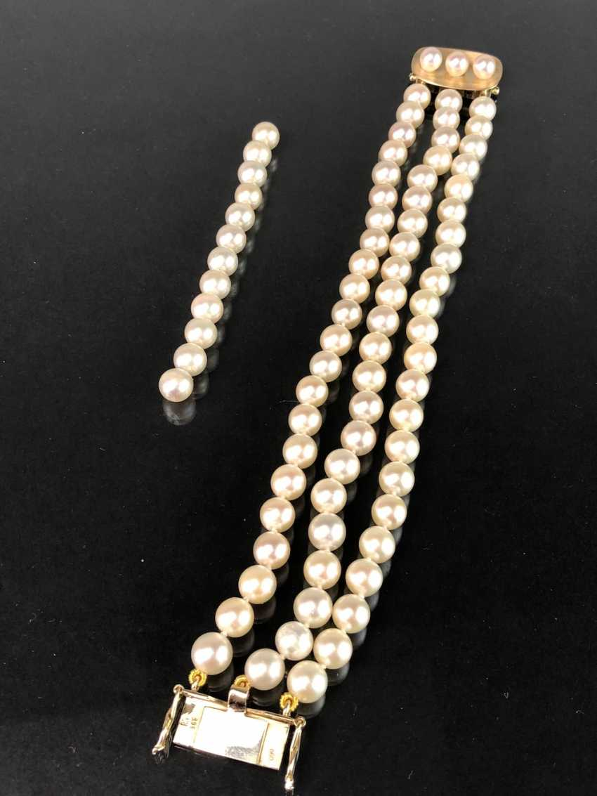 High quality bracelet: yellow gold 585, and three rows of Akoya pearls. Very good. - photo 7