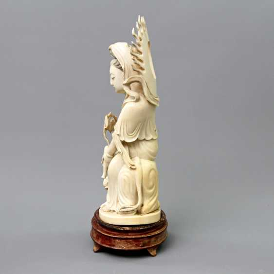 Guanyin made of ivory. CHINA, around 1900 - photo 3