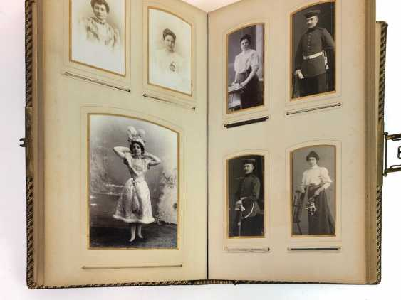 Photo album 1900's. Historical photos, military and family. Leather with gold cut. - photo 4