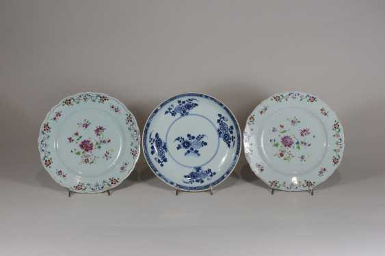 Group Of 3 Porcelain Plates - photo 1