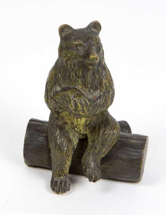 Bear sculpture - photo 1