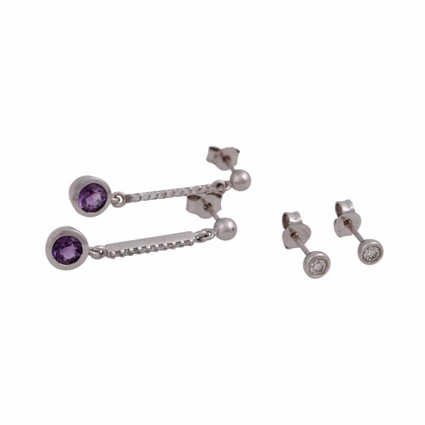Vintage earrings: 1 Pair of earrings each with 1 diamond - photo 1
