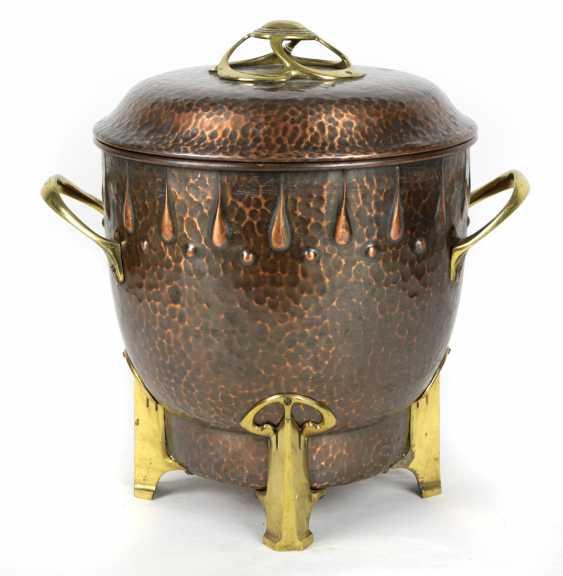 Art Nouveau Copper Lid Jar 1910 - photo 1