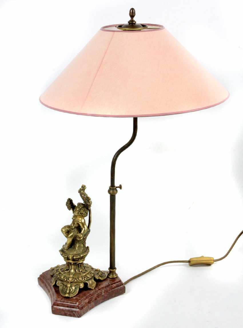 Настольная лампа с Putto