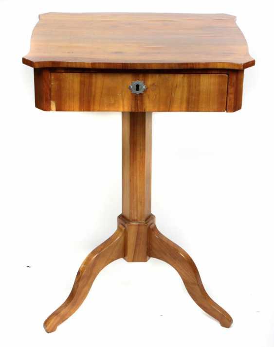 Biedermeier sewing table circa 1840 - photo 1