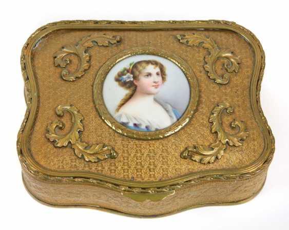 Box with porcelain plaque 1880 - photo 1