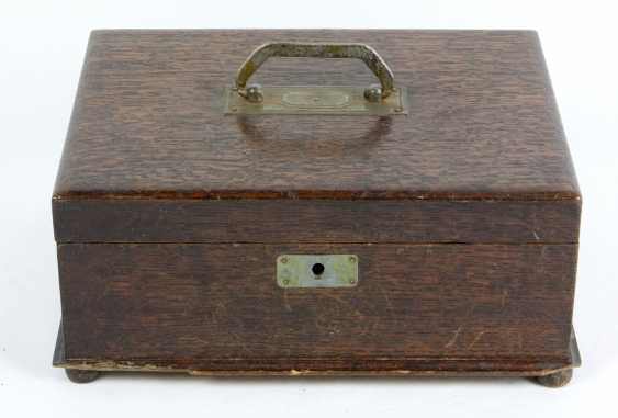 Box around 1900/10 - photo 1