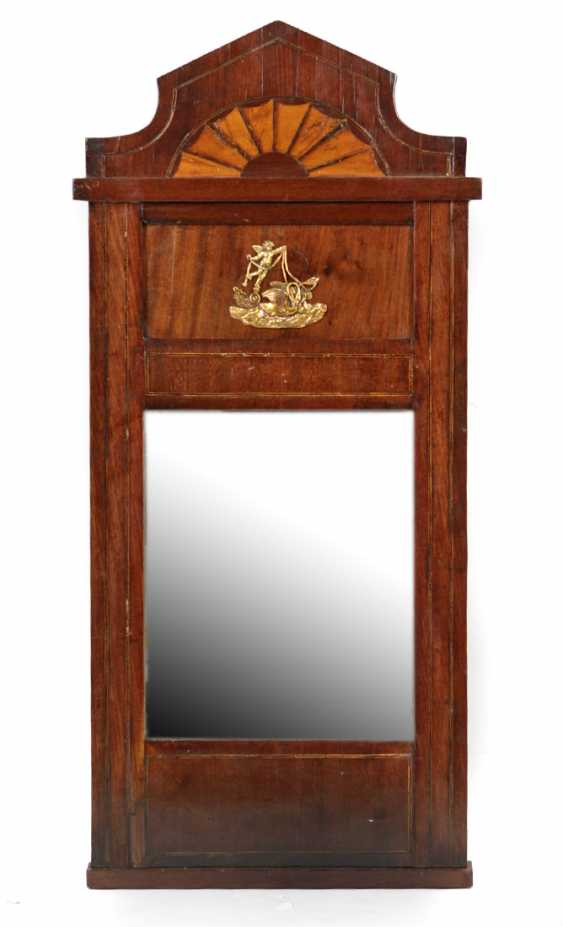 Biedermeier walnut mirror circa 1820 - photo 1