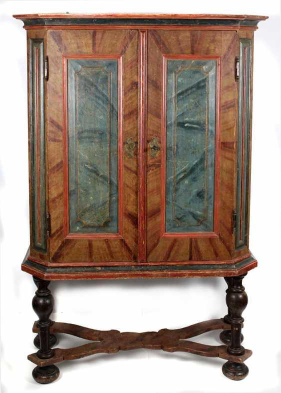 Studs cupboard around 1760 - photo 1