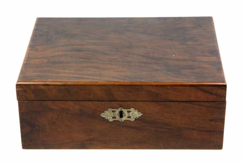 Historicism casket 1880 - photo 1