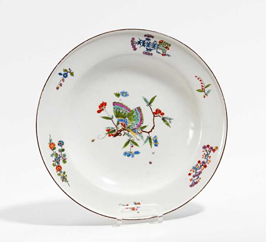 Plate with butterfly decor - photo 1