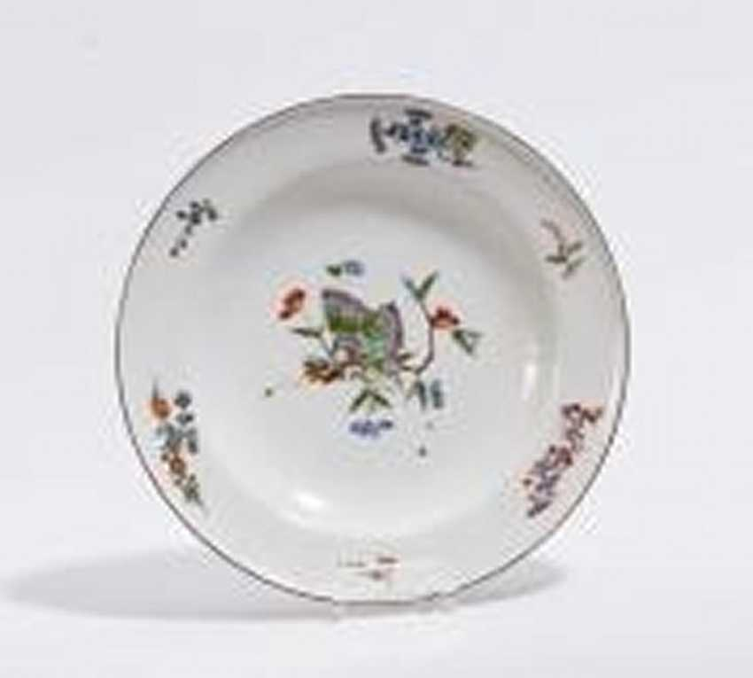 Plate with butterfly decor - photo 2