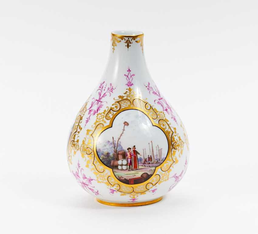 Small Vase with Watteau scenes - photo 1
