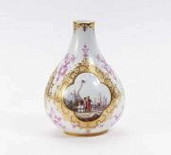 Small Vase with Watteau scenes - photo 2