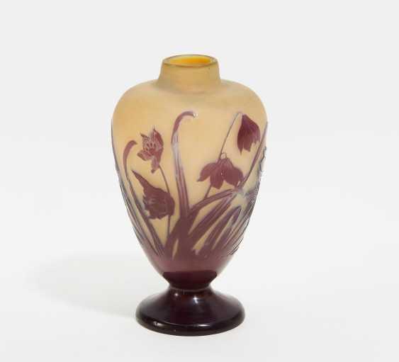 Kleine Vase mit Blumendekor - Foto 2