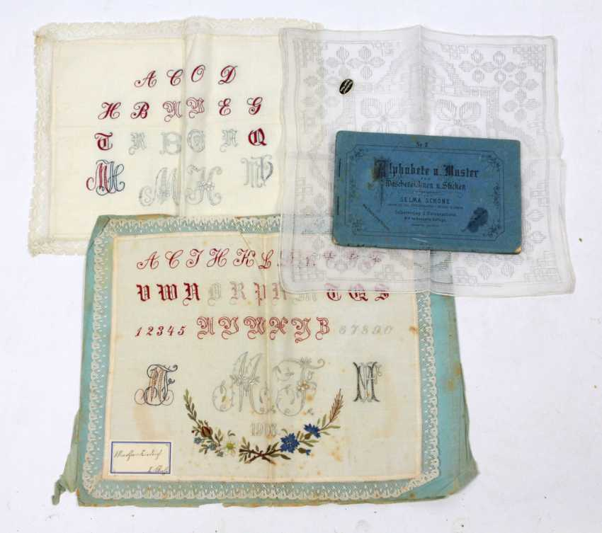 2 embroidery patterns towels and others around 1900 - photo 1