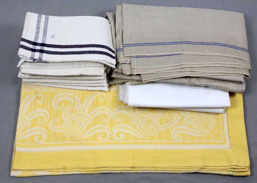 Items of Linen around 1920 - photo 1