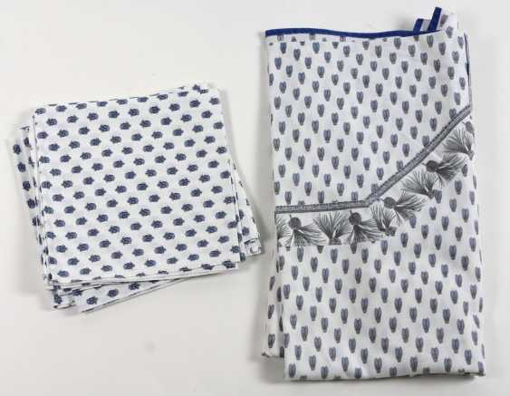 Tablecloth with napkins - photo 1