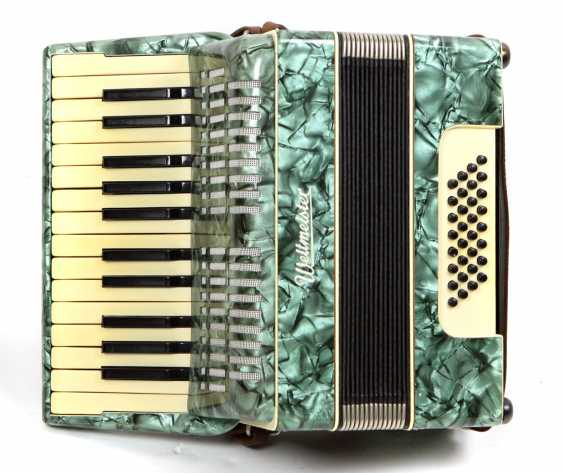 23 Bass, Accordion *World Champion* - photo 1