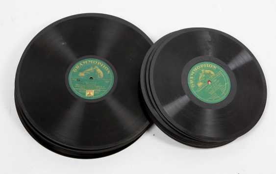 28 records - photo 1